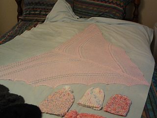 Pink_peaceful_shawl_finished_small2