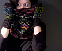 Pysanky_cowl_2_sm_small_best_fit