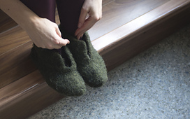 Felted_slipper_boots_2_sm_small_best_fit