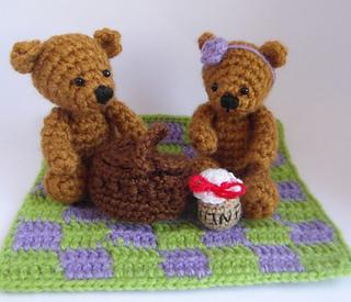 Teddy_bears_picnic2_small2