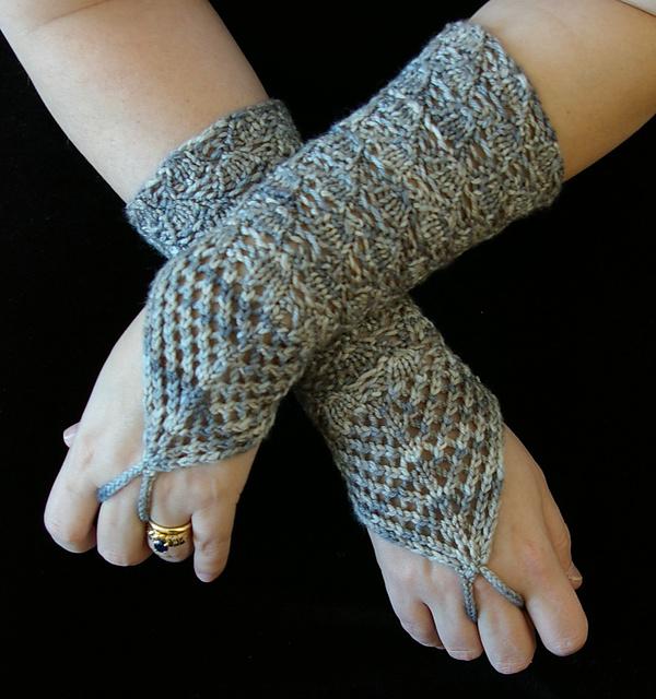 http://www.ravelry.com/patterns/library/chandelier-fingerless-gloves