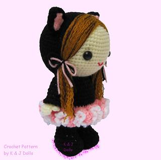 Bella_ballerina_amigurumi_doll_crochet_pattern_side_right_2_small2