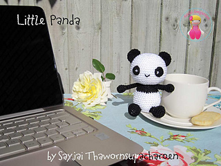 Img_5789-panda-with-cup-and-tea-and-pc_small2