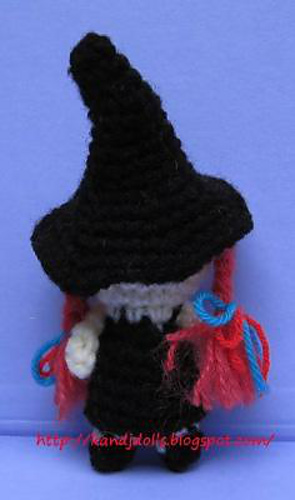Little_witch_halloween_crochet_pattern_back_medium