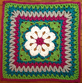 Flower_tile_square_small2