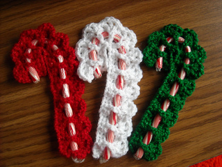 Victorian Candy Cane Cover - Free Crochet Pattern