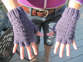 Fingerless-gloves_small2