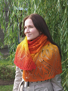 Knit_maple_leaves_lace_scarf_pattern_small2