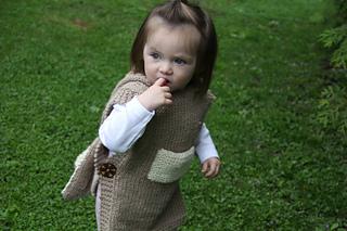 Hooded poncho Phoebe pattern by Muki Crafts