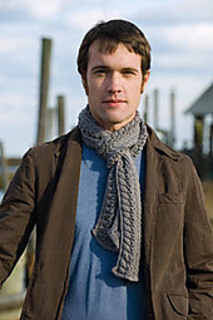 Sculptured_lace_scarf_01_small2