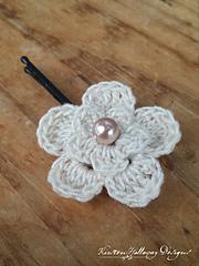 Delicateflowerclip_web_small