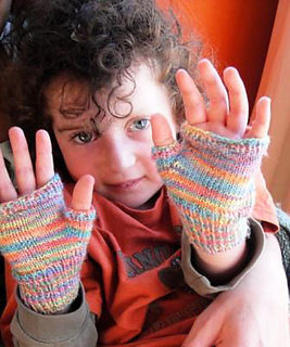 Knitting Pattern For Childrens Gloves With Fingers : Ravelry: Adorable kids fingerless gloves pattern by Wei S ...