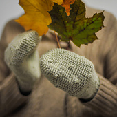 Cadboro_mitts_handful_pretty_color__1_of_1__small_best_fit