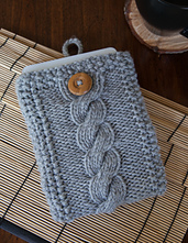 Cable_knit_tech_case_small_best_fit