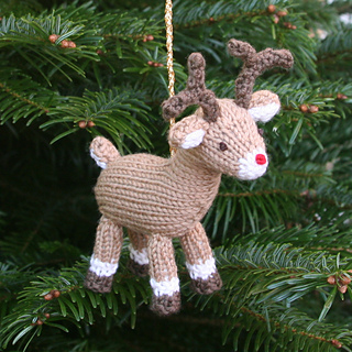Reindeer_on_tree_small2