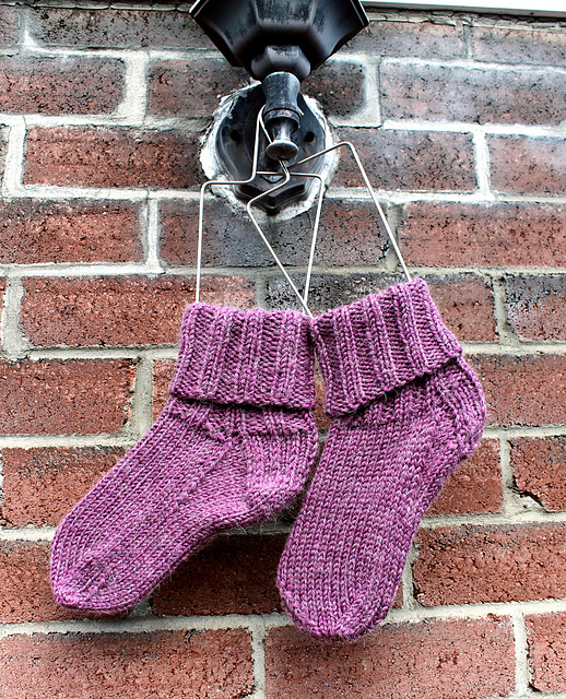 Indie Design Gift Along 2018 Sock Patterns 2