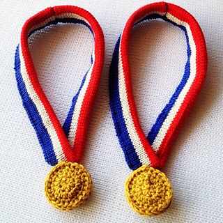 Knit_crochet_olympic_gold_medal__small2