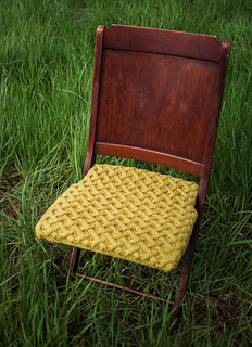 Cable_knit_antique_chair_1_small2