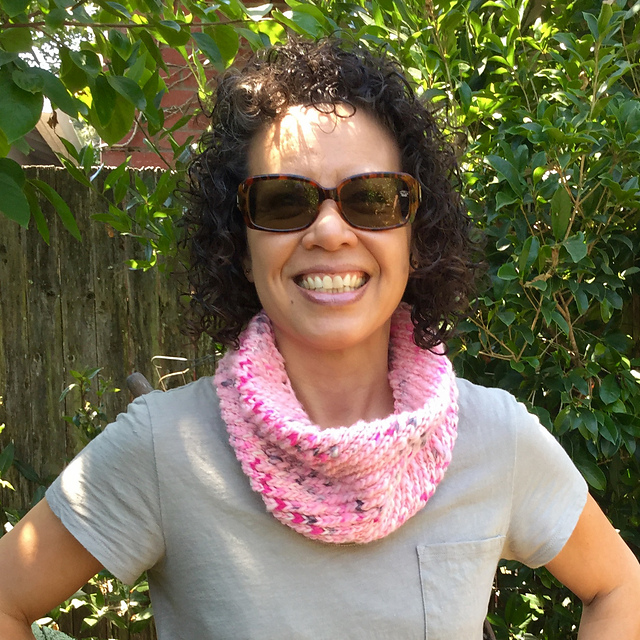 KnitterNinjaShar's Diagonal Ribbed Cowl in Serpentina