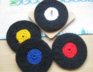 Vinyl_record_coasters_knit_version_006_small2