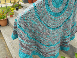 Project_camp_loopy_challenge__2_anadara_blanket_10_small2