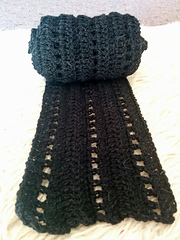 Simple_black_scarf_by_the_knitting_scientist_small