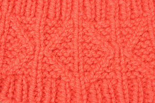 Pattern_close-up_orange_hat_small2