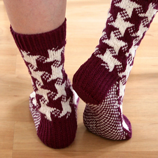 Photo2_swirling_star_socks_small2