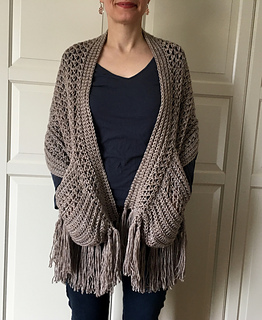 Perfect-Pockets Shawl pattern by Sonja Hood