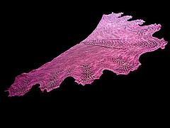 Scalloped_lace_shawl_small
