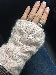 Whale_s_tail_mitts_small