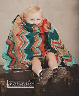 Chevron_stripes_baby_blanket_small2