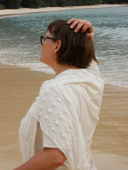 Andaman_shells_on_shore_back_small