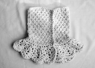 Lolo-wang-scarf-collar-2_small2