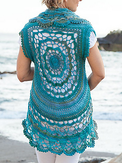 2a2e8aaecfeb4 Ravelry  Oceano Circle Vest pattern by Lena Skvagerson