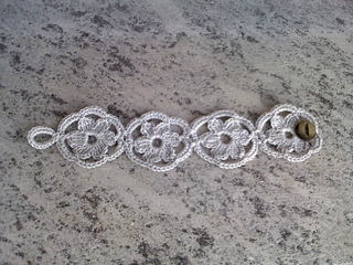 Flower_bracelet_a1_small2