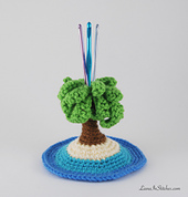 Lianainstitches_crochet_palm_tree_beach_island_with_hooks_white_bg_wider_optimized_small_best_fit