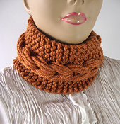 Dinora_cowl_1_small_best_fit