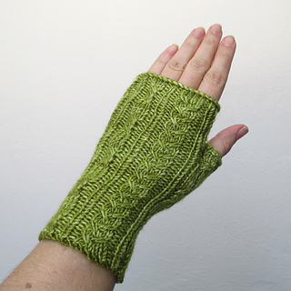 100614_green_gloves_2_small2