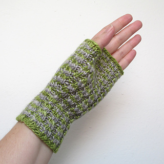 101014_green_gray_gloves_3_small2