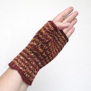 101414_burgundy-gold_gloves_3_small2