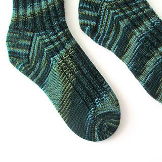 102914_kelp_socks_2_small2