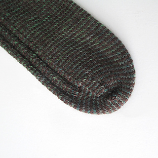 121014_green_brown_socks-2_small2
