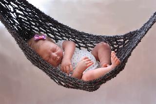 april yap ravelry  hammock baby photo prop crochet pattern pattern by      rh   ravelry