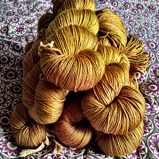 _golden_beehive__dyeforyarn_bespoke_for_loop_london_small2