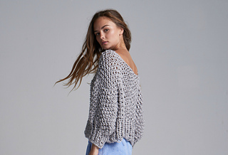 d1022ba43 Ravelry  Cotton Super Cropped Sweater pattern by Loopy Mango