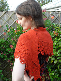 Poppy_shawl_010_small2