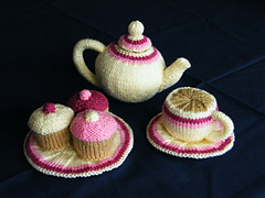 Tea_set_for_ravelry_small