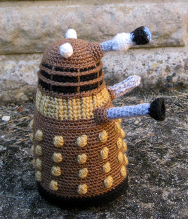 Dalek_bronze_08_small2