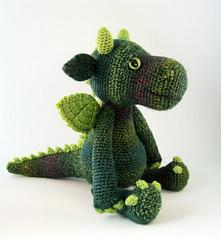Cuddly_dragon_green_02_small